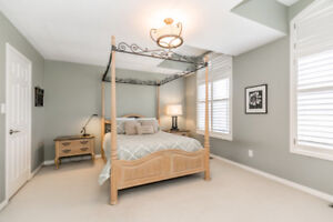 Queen size 4 poster bed