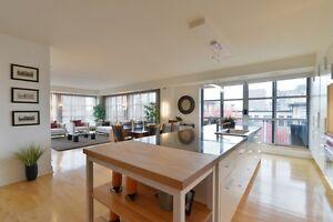 2200 Sq/ft Luxury Condominium in the Heart of Ottawa