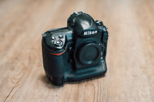 Mint Condition Nikon D3S Camera Body