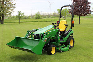 2015 John Deere 1025R **Low Hours**