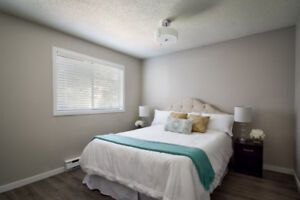 FSBO 1 bedroom 1 bath den/ storage renovated unit for Sale!