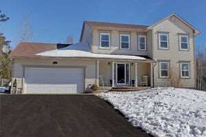NEW LISTING 4 Bedroom 2 Storey Home - 17 Colton Drive, Haneytown