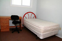 Female rooms, close UWO and Mall, all-incl, Free wifi, Sept 1