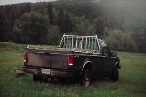 2000 Ford F-250 Black Pickup Truck