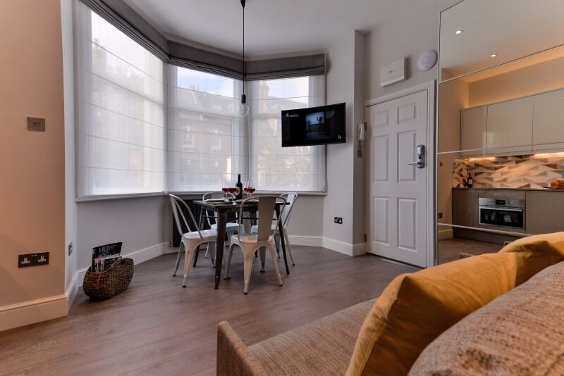 Short Let 1 month - BIG AMAZING FLAT - All bills & Wi-Fi - 10' to Baker Street