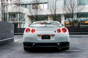 2015 Nissan GTR *545 hp + twin turbo v6*