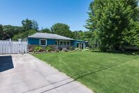 Innisfil Bungalow with Pool, Hot Tub and Private Beach rights!