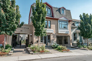 Luxury Montmartre Condo FOR SALE in Byward market
