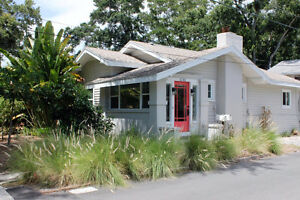 FLORIDA  St Pete -- Charming 2 bdrm Bungalow in NE St Pete