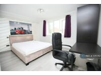 1 bedroom flat in Brunel Close, Coventry, CV1 (1 bed) (#1061362)