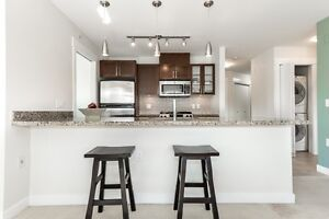 Welcome to this exceptional PENTHOUSE LEVEL 2 bed & den apartmen