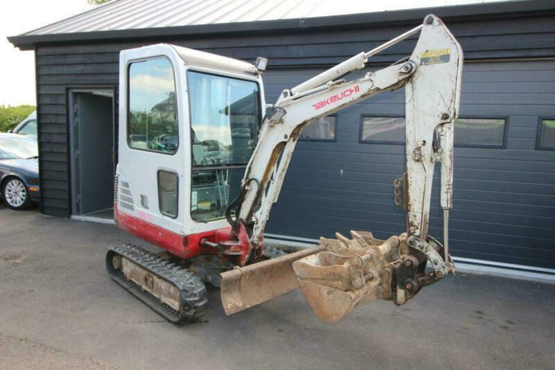 TAKEUCHI TB016 FULL CAB MINI DIGGER 1 7 TON LOVELY CONDITION JUST BEEN  SERVICED | in Frinton-on-Sea, Essex | Gumtree