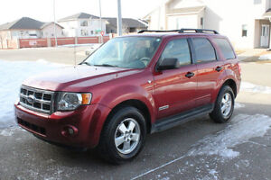 2008 Ford Escape XLT SUV - LEATHER! VERY WELL MAINTAINED!