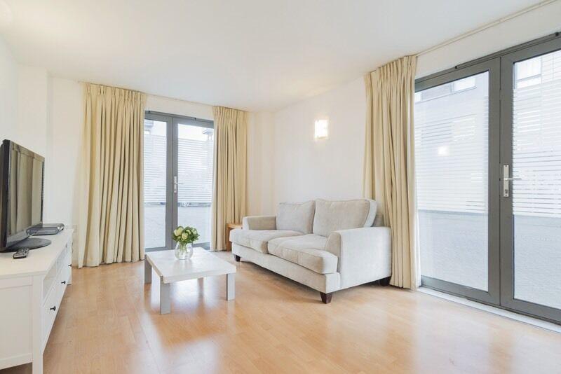 2 bedroom flat in Deals Gateway, London, London, SE13