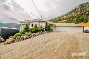 Updated Rancher on 4.6 Acres 20 Minutes from Town
