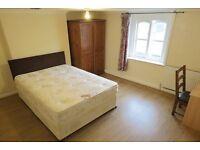 Large double room in croydon WiFi, wardrobe, desk