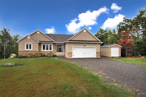 Executive Bungalow - 151 Smith Rd, Hanwell
