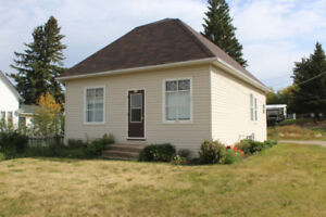 Cozy 2 Bedroom Home for Sale in Roblin, MB!