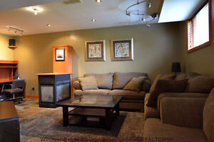 Beautiful detached home for rent in South Windsor Windsor Region Ontario image 8