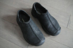 Hush Puppies Boys-Girls Genius leather Slip-on Loafer size 13.5M