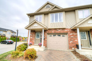 Stunning 2 storey, end unit townhouse for sale in London!