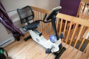 Vélo d'exercice position assise FREESPIRIT