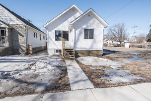 323 Syndicate Ave N - OPEN HOUSE Saturday!