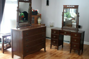 Antique 4-piece solid wood double bedroom set