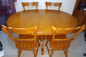 Dining Table W 4 Chairs Solid Maple