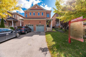 Meticulous Semi-Detached House for sale in Brampton (S-4025)