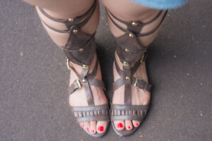 Juicy Couture Brown Leather Gladiator Sandals Sz 7
