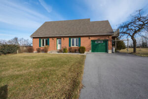 Pricate Two Storey w/ ensuite and view of Lake Ontario