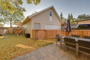 5 Bed Bungalow in North YEG. Close to CFB EDM. Huge yard!!