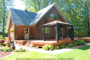 Beautiful Log Home for sale /5 acres