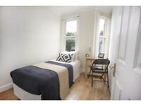 Restaurants, shops, next to Vauxhall station. Gorgeous room. What else do you need?