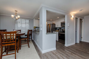 2 Bed Condo with Loft & Rooftop Deck in Central Location