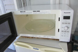 "Like New 1200 watt Panasonic ""Inverter""  Microwave"