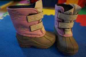 Girls boots (toddler size 6)