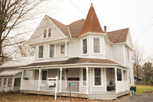 OPEN HOUSE SUNDAY APRIL 30th! 3Bdrm/1.5 Bath Victorian Home!