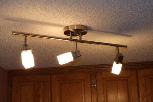 "3 lights Track lighting - 26"""