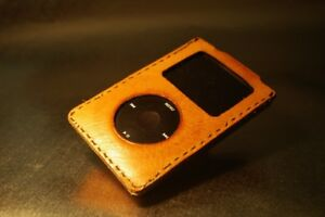 Ipod 5th Gen for parts with genuine hand made leather case.