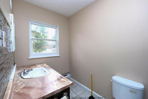 Newly Renovated 2 bed side by side duplex 750+