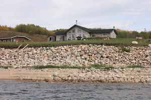 Lake house for rent Roblin Area