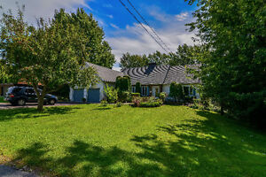 Charming&Unique spacious home in a beautiful area of West Island