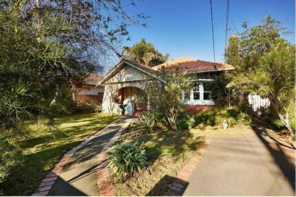 Room for rent in 4 BR Caulfield House Caulfield Glen Eira Area Preview