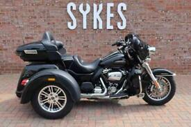 2018 Harley-Davidson FLHTCUTG Tri Glide Trike in Vivid Black