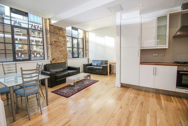 1 bedroom flat in Saxon House, Aldgate East, E1