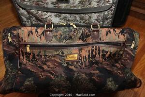 GORGEOUS Hunt Scene Tapestry Overnight Bag / Suitcase Belleville Belleville Area image 2