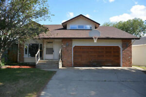 4 bedroom home for rent in mature Sherwood Park