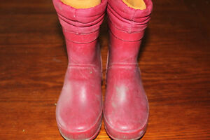 LANDS END size 9 rain boots with removeable liners $5 obo